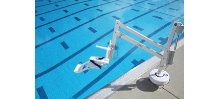 Sollevatore semimobile per piscina per disabili con - Sollevatore piscina per disabili ...